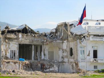 Nach einem verheerenden Erdbeben im Jahr 2008 - hier der zerstörte Präsidentenpalast - gewährten die USA Menschen aus Haiti einen Schutzstatus