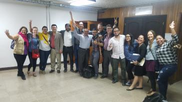 Anwaltsteam und Menschenrechtsaktivisten am Tag des Freispruches