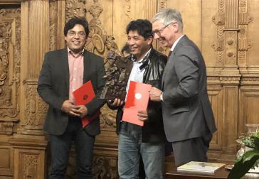 Victor Antonio (links) und Martin Fernández Guzmán aus Honduras bei der Preisverleihung im Bremer Rathaus
