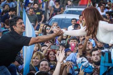 Kirchner weist alle Vorwürfe zurück und wird - wie hier im letzten Jahr - von vielen Anhängern unterstützt