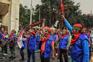 Die Guardias Indigenas sind in Bogotá angekommen, um gegen die Regierung zu protestieren