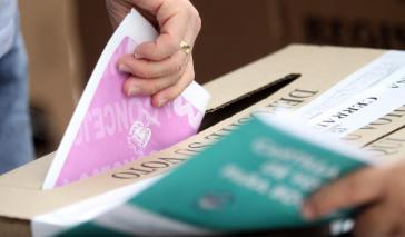 Über 36 Millionen Wahlberechtigte waren aufgerufen, in 1.102 Gemeinden Stadträte sowie in 32 Departamentos Abgeordnete der Landesvertretungen und Gouverneure zu wählen