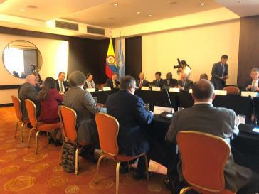Vertreter des Sicherheitsrats der Vereinten Nationen und der Farc-Partei bei ihrem Treffen am Samstag