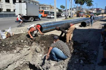Die neue Wasserleitung soll die Zeit der Tankwagen in Habana Vieja endgültig beenden