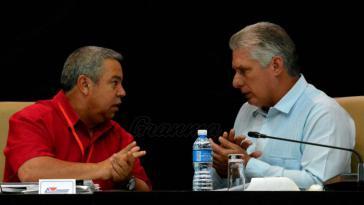 CTC-Generalsekretär Ulises Guilarte und Kubas Präsident Miguel Díaz-Canel auf dem CTC-Kongress