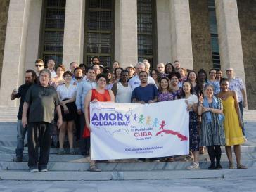 Mitglieder der Pastoren für den Frieden und Kubas Präsident Díaz-Canel am 25. Juni in Havanna