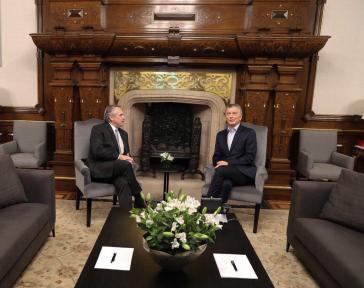 Der bisherige und der zukünftige Präsident von Argentinien: Mauricio Macri (rechts) und Alberto Fernández