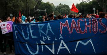 """""""Machos raus aus der UNAM"""":  Studierende und Angestellte der Nationalen Autonomen Universität Mexiko (UNAM) wehren sich gegen sexualisierte Gewalt"""