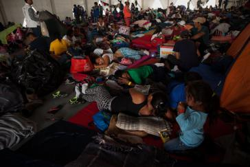 Migranten aus Zentralamerika in einem Flüchtlingslager in Mexiko-Stadt
