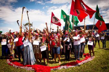 Aktivistinnen der Landlosenbewegung fordern Schutz vor sexueller Gewalt und Femiziden