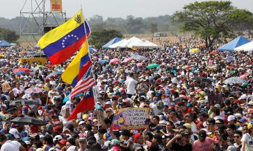 Zum Konzert in der kolumbianischen Grenzstadt kamen tausende Menschen und Politprominenz