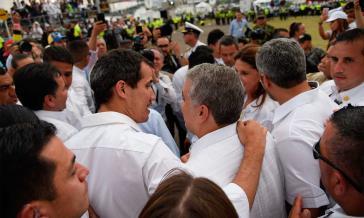 Der venezolanische Oppositionspolitiker und selbsternannte Interimspräsident Guaidó mit Kolumbiens Präsident Duque beim Konzert in Cucutá