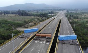 Gesperrte Brücke zwischen Kolumbien und Venezuela