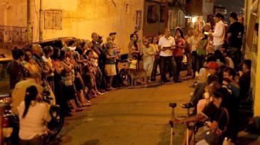 Abendliche Bürgerversammlung in Altos de Lidice