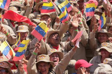 Unter den Demonstrierenden gegen den US-geführten Putschversuch in Venezuela am 2. Februar 2019 waren auch zahlreiche Mitglieder der Bolivarischen Milizen
