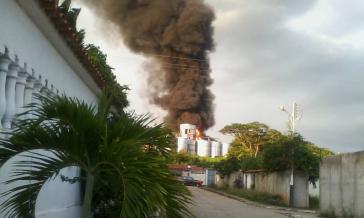 Nach einer Explosion brannte die Gasabfüllanlage in Ocumare del Tuy