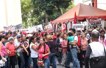 Basisbewegungen fordern eine Debatte über die Selbstverwaltung im Wohnungsbau