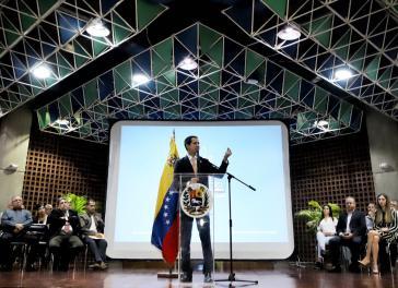 Lehnt Parlamentswahlen ab und besteht auf dem Sturz der Regierung Maduro: Guaidó bei einer Ansprache vor Anhängern am 1. November
