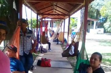 Seit drei Wochen protestieren Kleinbauernfamilien auf dem Gelände der Landbehörde