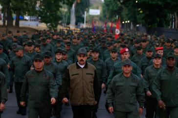 """Venezuelas Präsident Maduro führte am Donnerstag den """"Marsch für militärische Loyalität zu Bolívars Heimatland"""" an"""