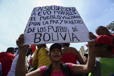 Die Kundgebungen der Chavisten in Caracas richtete sich nicht nur gegen die Putschisten im eigenen Land, sondern auch gegen die in Bolivien