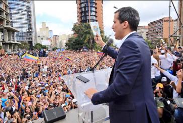 Oppositionspolitiker Guaidó erklärt sich zum Präsidenten von Venezuela