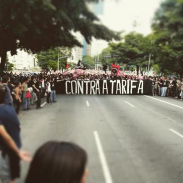 Die Bewegung für kostenlosen Nahverkehr protestierte gegen die erneute Fahrpreiserhöhung der neoliberalen Regierung von São Paulo, Brasilien