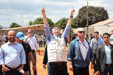 Präsident Bolsonaro meint, der Corona-Pandemie in Brasilien mit der Hilfe Gottes und der Unterstützung des Militärs Herr zu werden