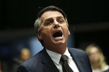 Die Regierung Bolsonaro kürzt bei den Armen und erhöht die Ausgaben für das Militär