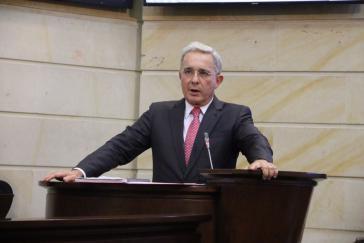Seit seiner Verhaftung entfachte Ex-Präsident Uribe eine Medienkampagne, die ihn als Opfer juristischer Verfolgung darstellt