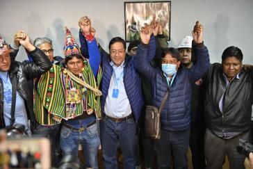 Luis Arce von der linken MAS ließ sich schon als Wahlgewinner feiern
