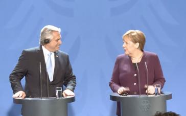 Guter Dinge: Argentiniens Präsident Alberto Fernández am Montag bei Angela Merkel