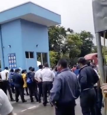 Nicaraguaner beim Grenzübertritt auf ihrer Rückkehr aus Panama