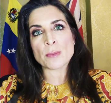 """Von nun an wohl nicht mehr vor britischer und venezolanischer Flagge zu sehen: Vanessa Neumann, bisherige """"Botschafterin"""" von Guaidó in London"""