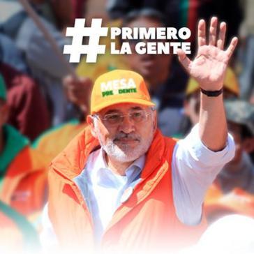 Carlos Mesa mit seinem Parteibündnis Comunidad Ciudadana kommt laut Umfragen auf 24,2 Prozent