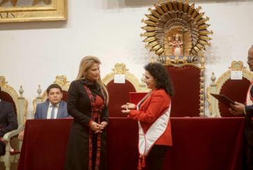 """Sieht Weiße und """"Wilde"""": Jeanine Áñez, selbsternannte Interimspräsidentin von Bolivien"""