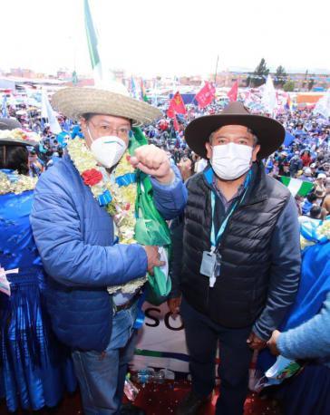 Luis Arce und Vizepräsident David Choquehuanca bei der Feier des Wahlsieges in El Alto am Samstag