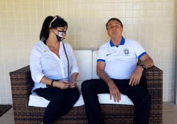 """""""Korruption ist beendet"""", erklärt Brasiliens Realitäsverweigerer Nummer 1, Jair Bolsonaro vom Sofa aus (ScreenShot)"""