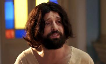 """Der Jesus-Darsteller von  """"Porta dos Fundos"""", Gregorio Duvivier"""