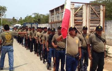 Mitglieder der Regionalkoordination der Gemeindeautoritäten-Gemeindepolizei in Guerrero, Mexiko