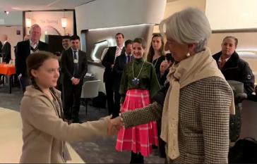 """Tweet von Lagarde nach der Begegnung mit Greta: """"Ich bin optimistisch für die Zukunft wegen  Jugendlichen aus aller Welt wie Greta Thunberg, die mit einer wichtigen Botschaft zum Thema #climatechange zum  #wef19 gekommen ist. Junge Leute: drängt uns weiter, das Richtige zu tun!"""" (Screenshot)"""