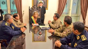 Das Bündnis von Jeanine Añez mit dem Militär hat bei den Protesten gegen den Putsch in Bolivien nach einem Bericht der UN für viel Gewalt mit Todesfolge geführt