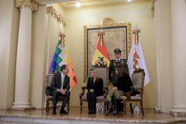 Der deutsche Botschafter in Bolivien, Stefan Duppel, pflegte gestern seine diplomatischen Beziehungen mit der De-facto-Präsidentin Áñez