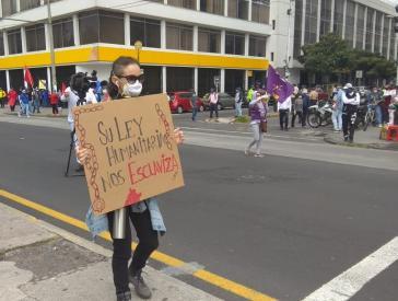 """Proteste im ganzen Land gegen den Abbau des Arbeitsschutzes: """"Euer humanitäres Gesetz versklavt uns"""""""