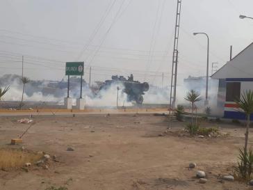 Spezialkräfte der Polizei setzten Tränengas und Gummigeschosse gegen Streikende ein