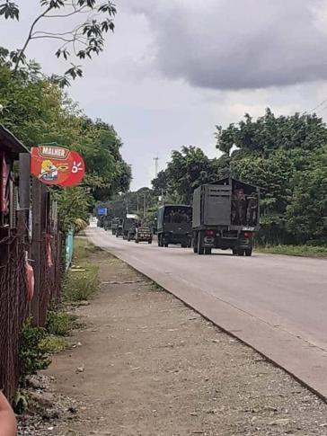 Ausnahmezustand:  Militärkolonnen auf dem Weg in die betroffenen Gebiete