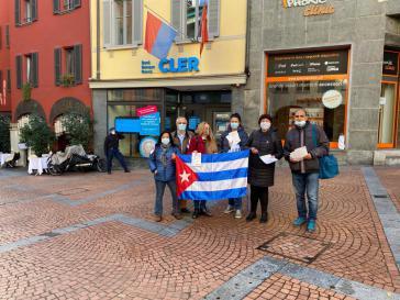 Protest-Aktion vor einer Filiale der schweizerischen CLER-Bank
