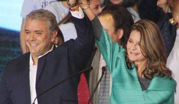Ein Bild aus besseren Zeiten: Präsident Iván Duque und seine Vize, Marta Lucía Ramírez feiern den Wahlsieg im Juni 2018