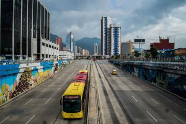 Straße in Kolumbiens Hauptstadt Bogotá. Präsident Duque verhängte am 24. März strikte Ausgangsbeschränkungen