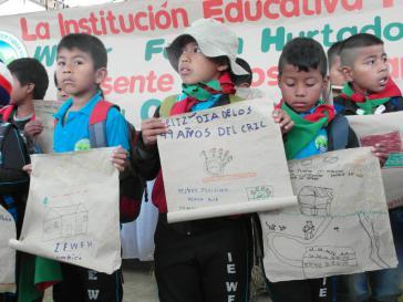 """""""Frohen 49. Jahrestag"""": Kinder verschiedener selbstverwalteter indigener Schulen gratulieren dem Cric zum Geburtstag"""